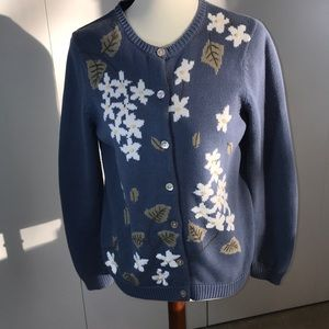 Orvis S sweater blue embroidered leaves flowers